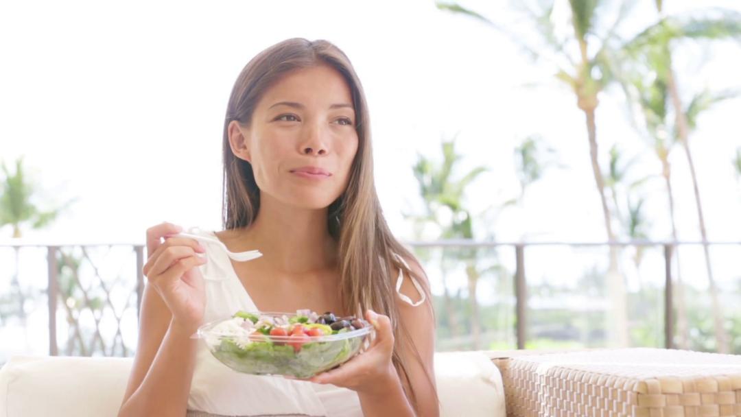 Nutricionistas alertam: fazer dieta está te engordando