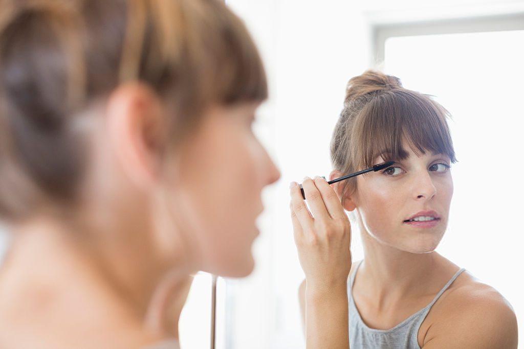 Especialista dá dicas de como se maquiar sem exageros para o ambiente de trabalho