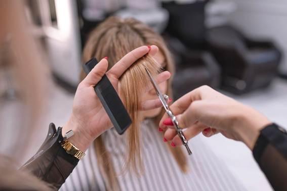 Especialista dá dicas de tendências de cabelo para o verão