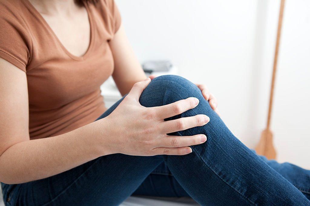 Obesidade pode provocar danos permanentes no joelho