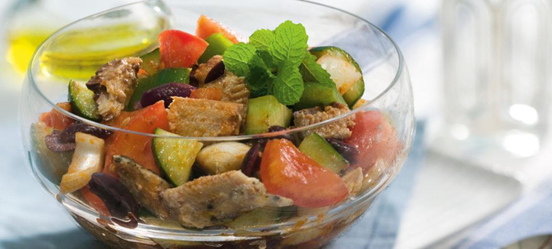Salada Grega com Sardinha