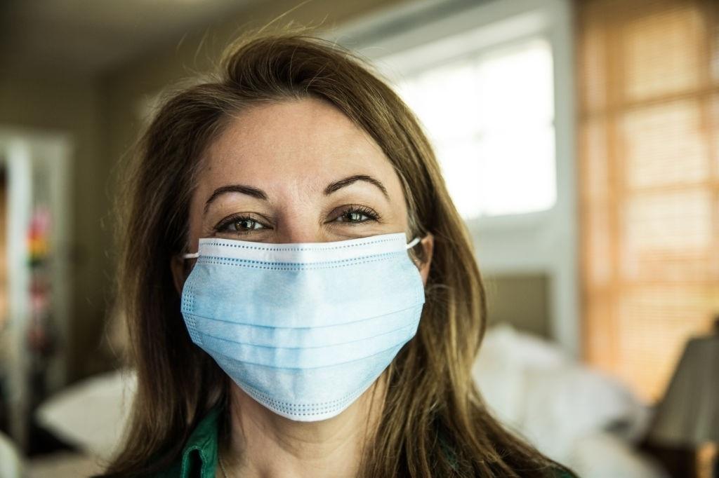 Máscaras de tripla proteção são recomendadas pela Organização Mundial da Saúde