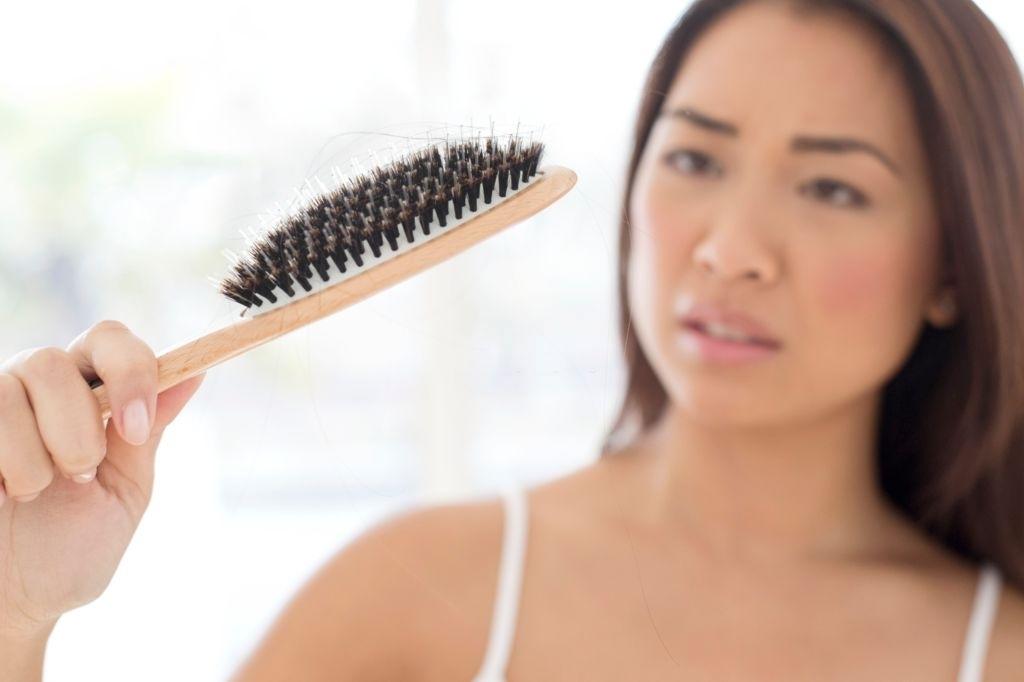 Má alimentação pode atrapalhar o crescimento dos cabelos e até ocasionar queda