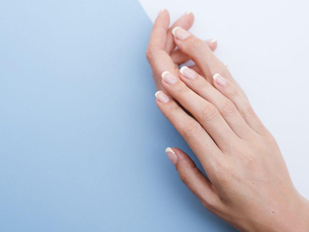 Unhas fracas e quebradiças? Podóloga da Doctor Feet aponta 10 soluções