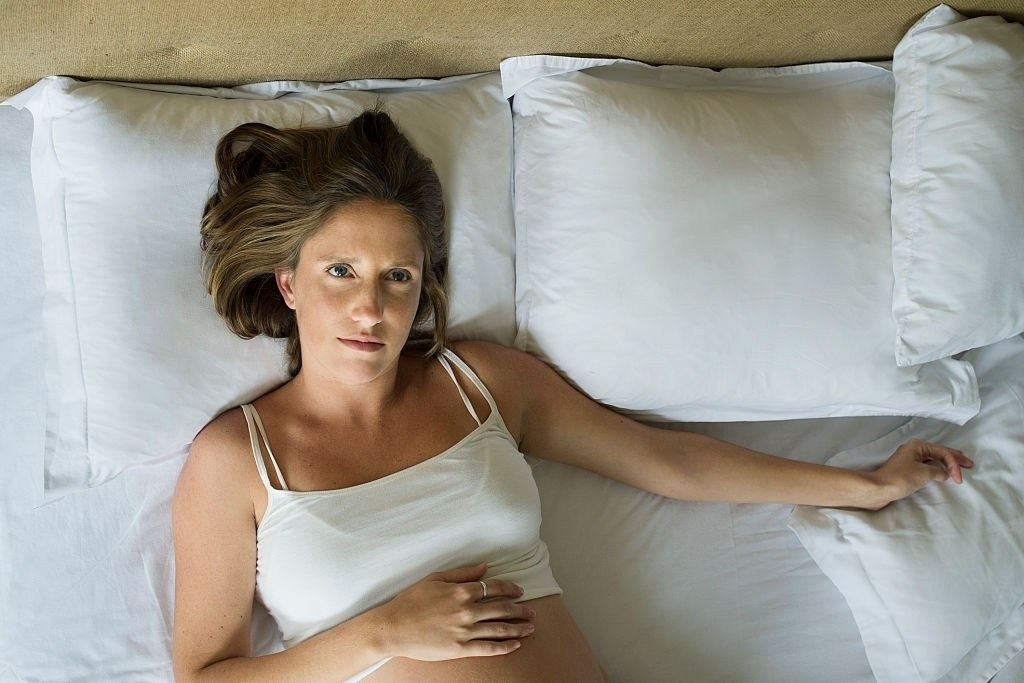 Tudo o que você precisa saber para driblar de vez a insônia na gravidez