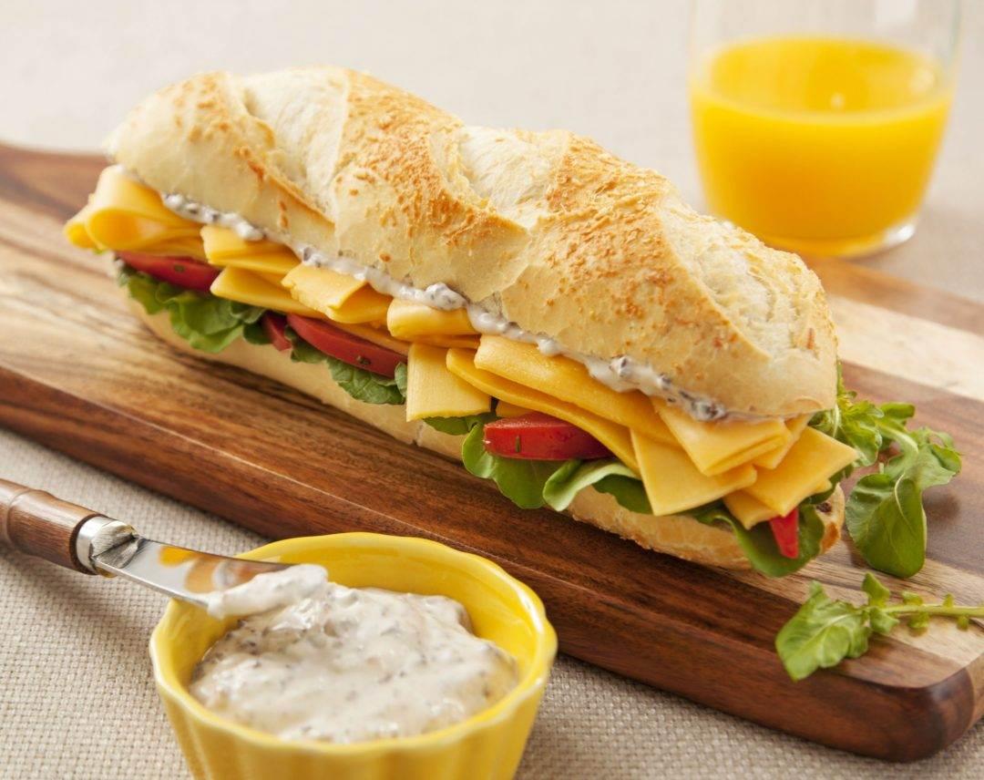 Lanches com queijo: saiba como incrementar sua refeição