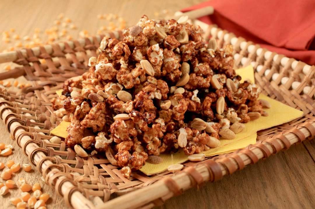 Pipoca crocante com amendoim