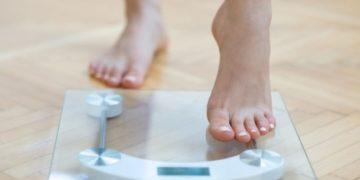 Female feet weighing scale