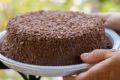 Bolo de chocolate feito no liquidificador para um lanche rápido!